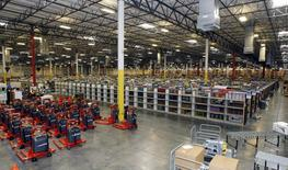 Merchandise sits at the Amazon Phoenix Fulfillment Center in Goodyear, Arizona, in this file image from November 16, 2009. REUTERS/Rick Scuteri/Files