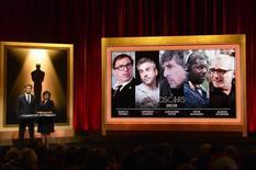 """El cineasta mexicano Alfonso Cuarón fue nominado el jueves para un Oscar al mejor director por su drama espacial """"Gravity"""", que competirá también por otras nueve estatuillas entre ellas las categorías de mejor actriz con Sandra Bullock y mejor película. Beverly Hills, 16 enero de 2014. REUTERS/Phil McCarten"""