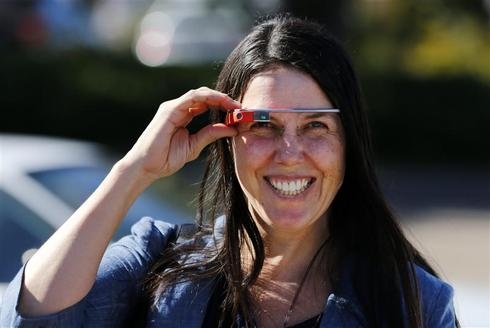 California woman faces trial for wearing Google Glass while driving