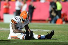Cleveland Browns wide receiver Davone Bess (15) reacts after missing a pass during the second half of the game against the Kansas City Chiefs at Arrowhead Stadium. Denny Medley-USA TODAY Sports
