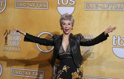 Actress Rita Moreno poses backstage after receiving her lifetime achievement award at the 20th annual Screen Actors Guild Awards in Los Angeles, California January 18, 2014. REUTERS/Lucy Nicholson