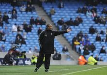 Notts County's coach Paul Ince reacts during their FA Cup soccer match against Manchester City at Manchester, northern England February 20, 2011. REUTERS/Nigel Roddis