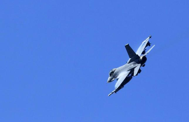 A F-16 fighter jet belonging to the U.S. Air Force is seen during the military exercise ''SHOCK 13'' in Slunj October 4, 2013 file photo. REUTERS/Antonio Bronic