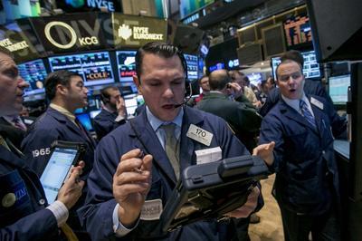 Wall Street flat on earnings; IBM pressures Dow
