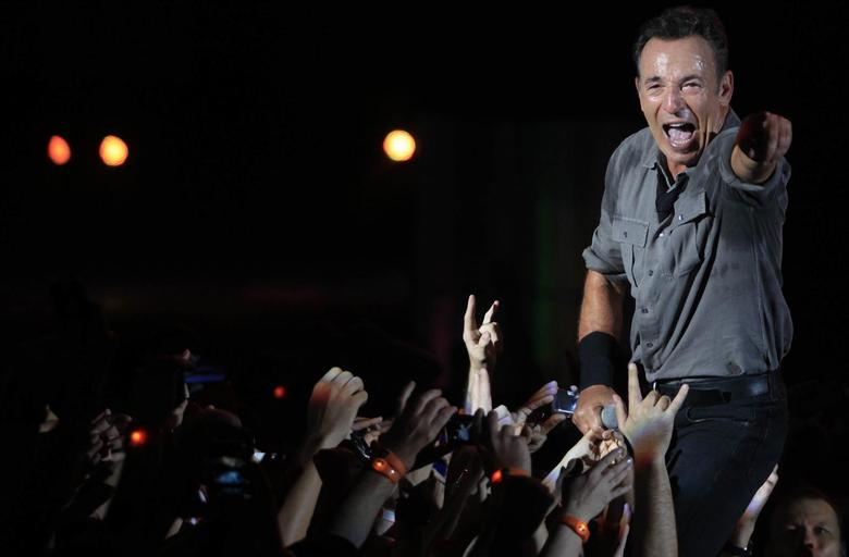 U.S. singer Bruce Springsteen and the Street Band perform at the Rock in Rio Music Festival in Rio de Janeiro September 21, 2013. REUTERS/Ricardo Moraes