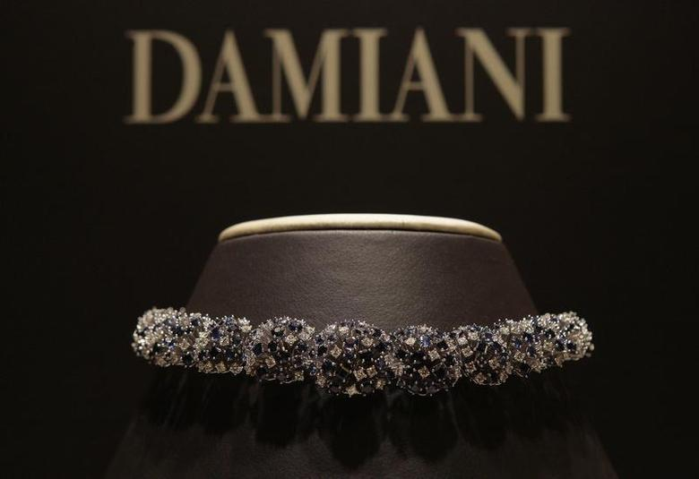 A Damiani necklace is pictured at the Damiani headquarters in downtown Milan September 10, 2009. REUTERS/Alessandro Garofalo