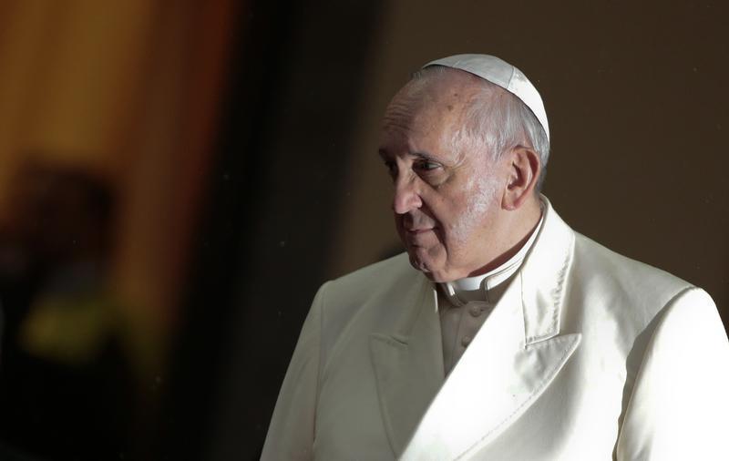 Papa pede mais calma e ternura no mundo digital