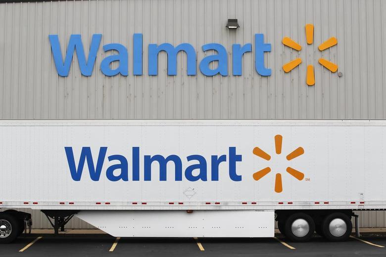 A Wal-Mart Stores Inc company distribution center in Bentonville, Arkansas June 6, 2013. REUTERS/Rick Wilking
