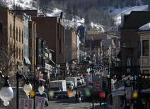 A general view shows Main Street bustling with activity before the opening day of the Sundance Film Festival in Park City, Utah, January 15, 2014. REUTERS/Jim Urquhart