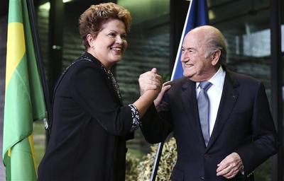 Blatter, Rousseff brush off World Cup problems