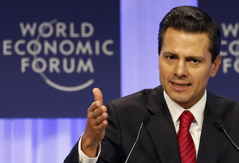 Mexico's President Enrique Pena Nieto speaks during a session at the annual meeting of the World Economic Forum (WEF) in Davos January 23, 2014. REUTERS/Ruben Sprich
