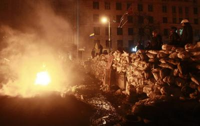 Ukraine opposition meet protesters after talks with...