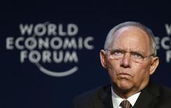 El ministro de Finanzas alemán, Wolfgang Schaeuble, asiste a una sesión en la reunión anual del Foro Económico Mundial en Davos, Suiza. 24 enero, 2014. REUTERS/Denis Balibouse