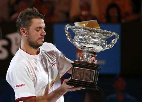 Wawrinka defeats injured Nadal to win Australian Open