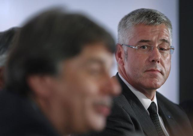 Karl Slym, managing director of Tata Motors, looks on during a news conference to announce their fourth quarter results in Mumbai May 29, 2013. REUTERS/Danish Siddiqui