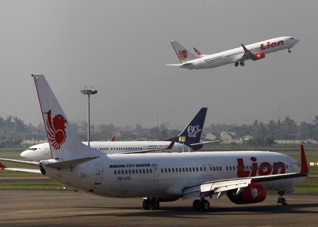 A Lion Air airplane takes off at Soekarno-Hatta airport in Jakarta April 29, 2013. REUTERS/Beawiharta