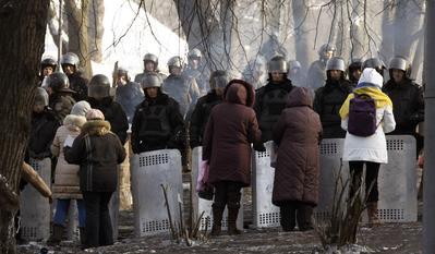 Ukraine's Yanukovich, opposition agree to scrap some...