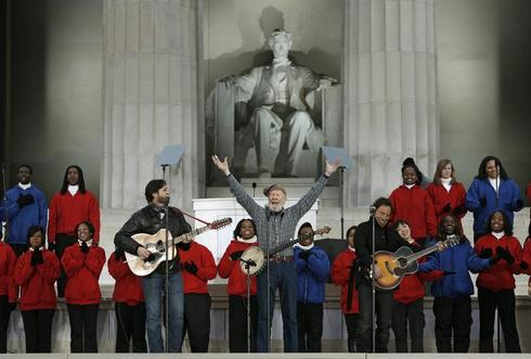 Pete Seeger dies at 94
