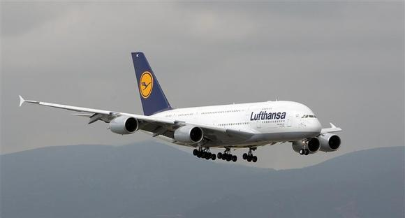 A Lufthansa Airbus A380-800 lands for the first time at Barcelona Airport October 2, 2010. REUTERS/Albert Gea/Files