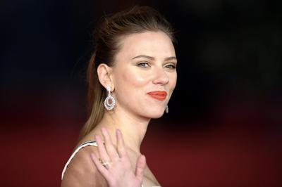 Actress Johansson-Oxfam rift puts spotlight on West...
