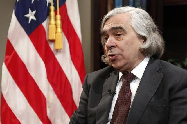 U.S. Energy Secretary Ernest Moniz sits for an interview at the Department of Energy in Washington January 30, 2014. REUTERS/Jonathan Ernst
