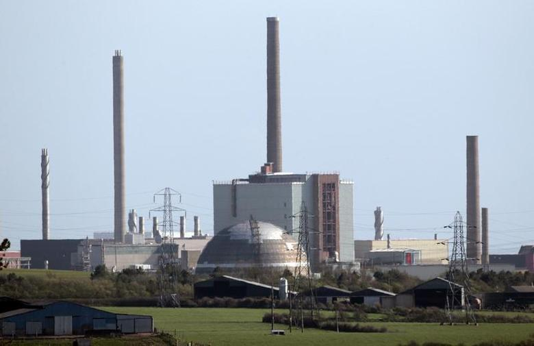 A view of the Sellafield nuclear reprocessing site near Seascale in Cumbria, England April 12, 2011. REUTERS/David Moir
