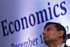 Presidente do banco central da Índia, Raghuram Rajan, comparece ao Conclave Econômico de Délhi de 2013, em Nova Délhi. Rajan criticou o que chamou de colapso da coordenação monetária global, uma vez que a perspectiva de contínua redução do estímulo monetário dos Estados Unidos ameaça os mercados emergentes. 11/12/2013. REUTERS/Adnan Abidi (INDIA - Tags: BUSINESS) - RTX16DLR