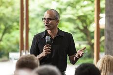 Satya Nadella, actuel vice-président en charge de la division Entreprise & Cloud chez Microsoft, devrait être désigné sous peu au poste de directeur général, selon une source proche du dossier. /Photo prise le 11 juillet 2013/REUTERS/Microsoft