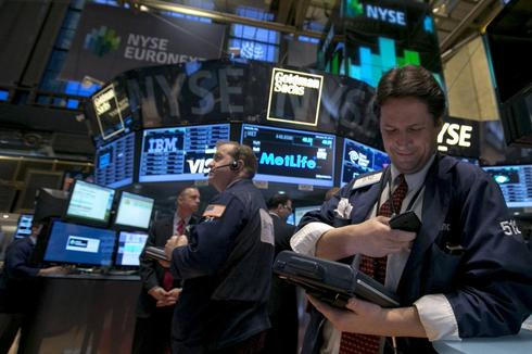 Big chill gives Dow, S&P worst month since May 2012