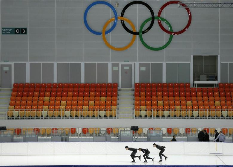 Members of the U.S. speedskating team practice at the Adler Arena on the Olympic Park as preparations continue for the Sochi 2014 Winter Olympics January 31, 2014. REUTERS/Phil Noble