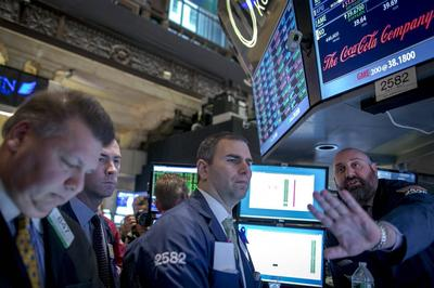 Wall Street comeback fades as emerging market fears...