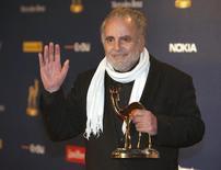 O ator austríaco Maximilian Schell recebe prêmio Bambi no ano passado, em Potsdam, Alemanha. O ator morreu na noite de sexta-feira, aos 83 anos. 26/11/2009 REUTERS/Ahmad Masood
