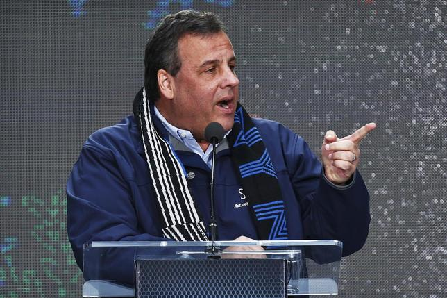 New Jersey Governor Chris Christie speaks as he attends the Super Bowl Hand-Off Ceremony at the Boulevard fan zone ahead of Super Bowl XLVIII in New York February 1, 2014. REUTERS/Eduardo Munoz