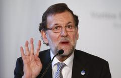 Spanish Prime Minister Mariano Rajoy gestures during a meeting at Villa Madama in Rome, January 27, 2014. REUTERS/Alessandro Bianchi