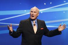 "Former NFL football great and broadcaster Terry Bradshaw speaks during a presentation to announce Fox's new sports network ""Fox Sports 1"" in New York, March 5, 2013. REUTERS/Mike Segar"