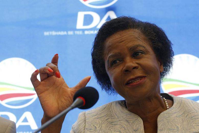 Anti-apartheid activist Mamphela Ramphele speaks at a news conference in Cape Town, January 28, 2014. REUTERS/Mike Hutchings