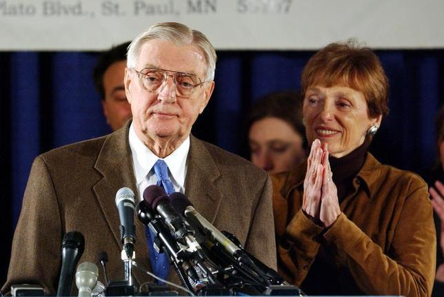 File picture of former Vice President Walter Mondale and his wife Joan. - RTXLM2V