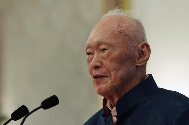 Singapore's former Prime Minister Lee Kuan Yew speaks during his book launch at the Istana in Singapore August 6, 2013. REUTERS/Edgar Su