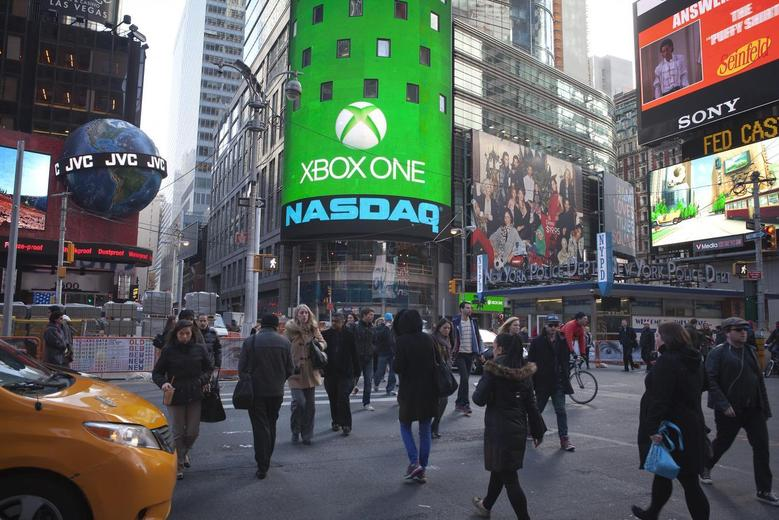 The Xbox One logo is pictured on the NASDAQ building in Times Square in New York, November 21, 2013. REUTERS/Carlo Allegri (