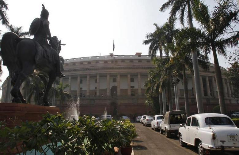 A view of the Indian parliament building is seen in New Delhi December 1, 2010. REUTERS/B Mathur