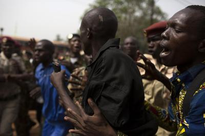 Soldiers lynch man at army ceremony in Central African...
