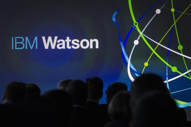 Attendees gather at an IBM Watson event in lower Manhattan, New York January 9, 2014. REUTERS/Brendan McDermid