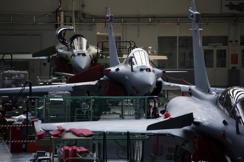View of the assembly line of the Rafale jet fighter in the factory of French aircraft manufacturer Dassault Aviation in Merignac near Bordeaux, southwestern France, January 10, 2014. REUTERS/Benoit Tessier