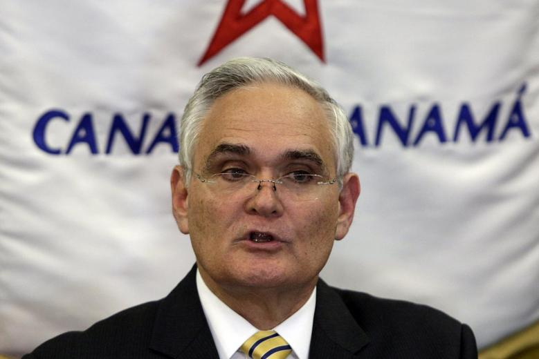Panama Canal Administrator Jorge Quijano gestures as he speaks to the media during a break in a private meeting in Panama City January 21, 2014. REUTERS/Carlos Jasso