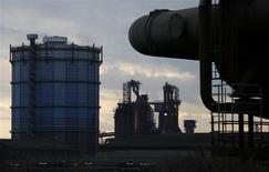 La production industrielle a, contre toute attente, reculé (-0,6) en décembre en Allemagne, ce qui n'a pas empêché le ministère de l'Economie de réaffirmer que les perspectives pour le secteur manufacturier restaient positives pour 2014. /Photo d'archives/REUTERS/Ina Fassbender