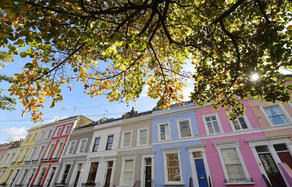 A residential street is seen in Notting Hill in central London October 8, 2013. REUTERS-Toby Melville