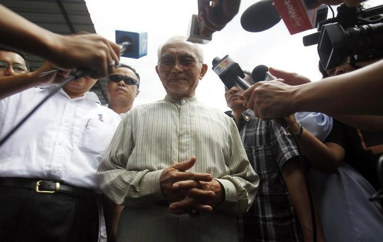 Chief minister of Malaysia's state of Sarawak, Abdul Taib Mahmud, pauses as he speaks to journalists after casting his vote during the Sarawak state elections in Kuching April 16, 2011. REUTERS/Bazuki Muhammad