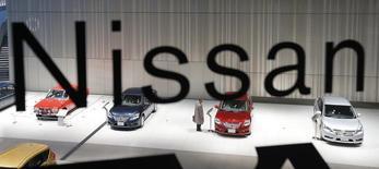 Nissan et sa coentreprise en Chine ont vendu 95.200 automobiles dans le pays en janvier, un chiffre en baisse de 0,4% par rapport au même mois de 2013, a annoncé mardi le constructeur japonais. Ce tassement fait suite à des bonds de 70,4% en décembre et de 95,7% en novembre. /Photo d'archives/REUTERS/Kim Kyung-Hoon