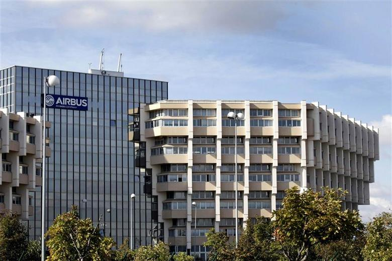 A view shows the Airbus engineering headquarters in Toulouse, southwestern France October 23,2012. Picture taken October 23, 2012. REUTERS/Jean-Philippe Arles