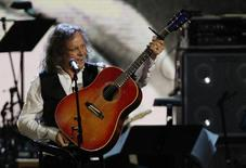 Donovan performs after being inducted into the Rock n' Roll Hall of Fame during the 2012 induction ceremony in Cleveland, Ohio April 14, 2012. REUTERS/Matt Sullivan